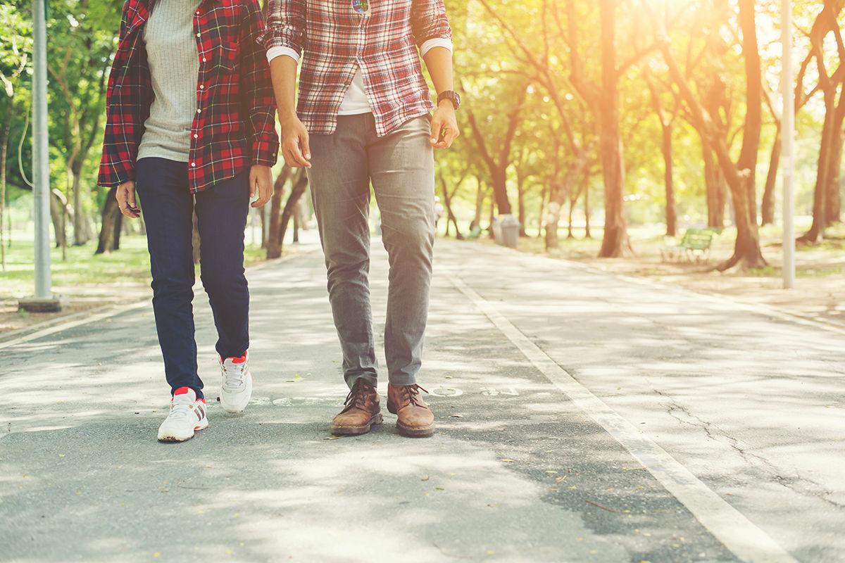 caminhar para melhorar a postura