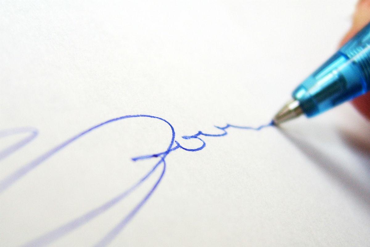 como tirar mancha de caneta