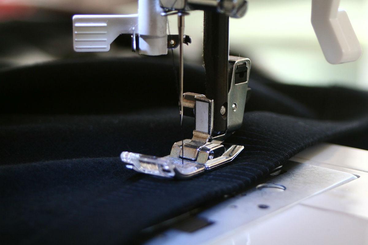 qual a melhor máquina de costura para iniciantes