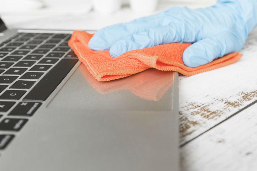 como limpar teclado de notebook